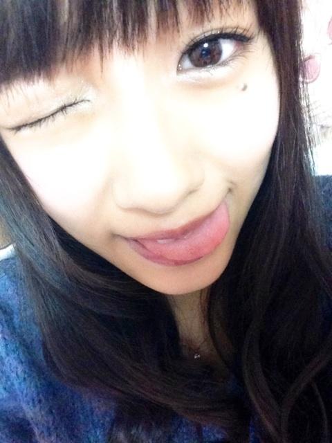 前田希美の舌出し (10)