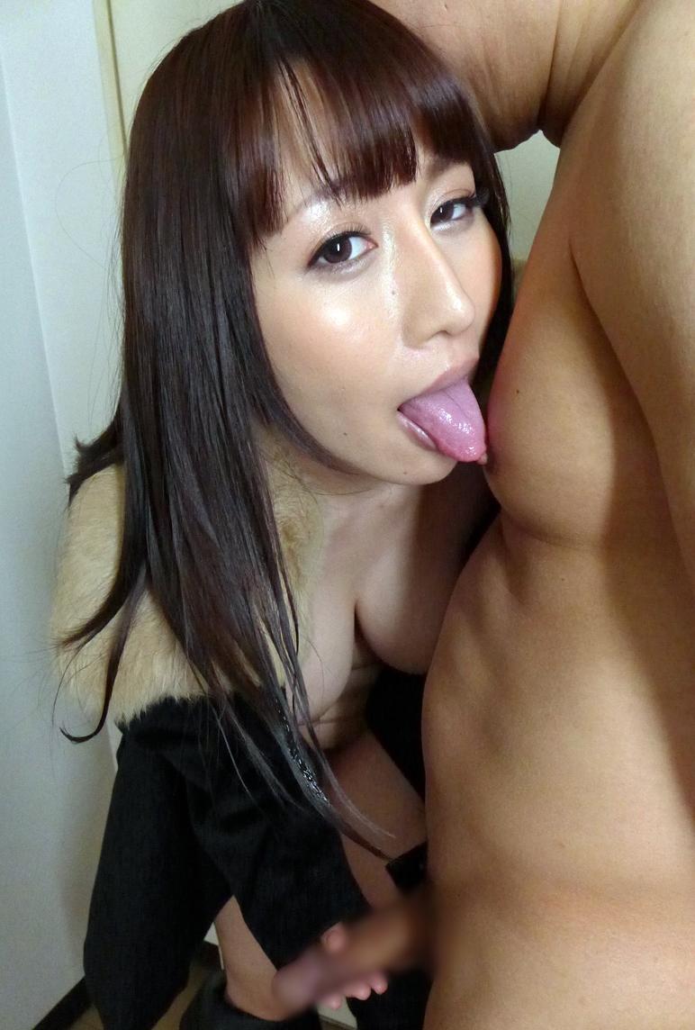 星咲優菜の舌奉仕 (1)