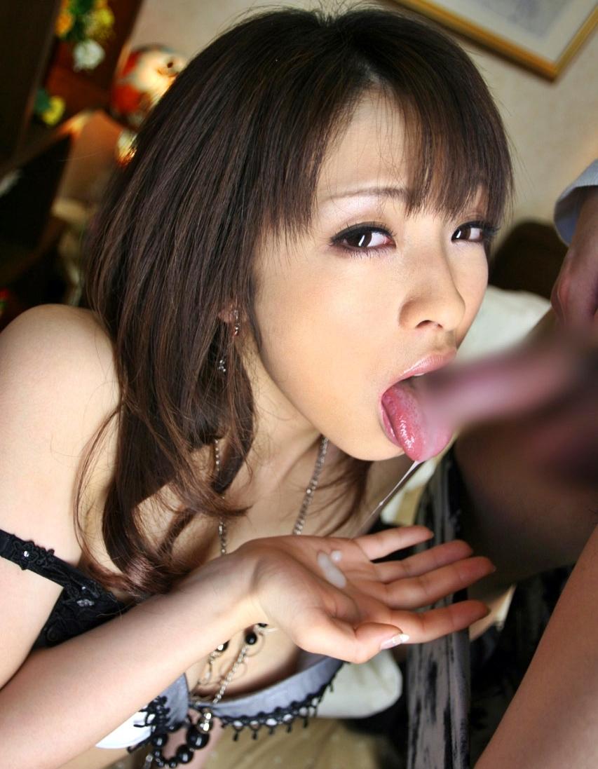 雪見紗弥の舌出しフェラ・舌射 (12)