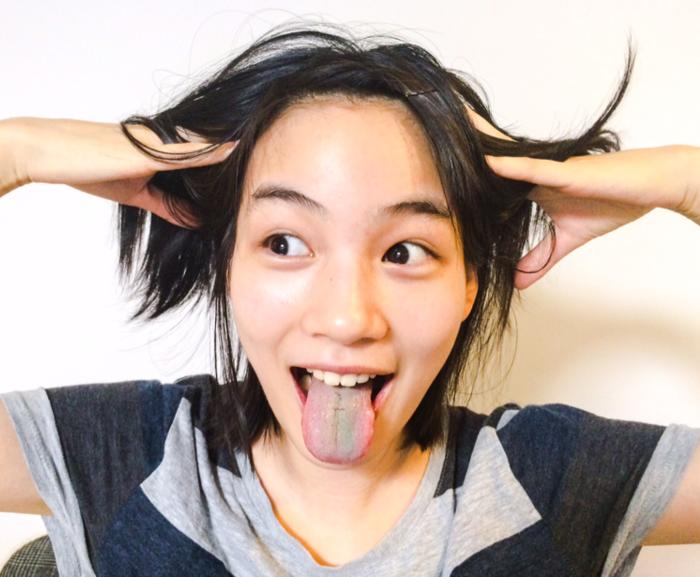 能年玲奈の舌出し (1)