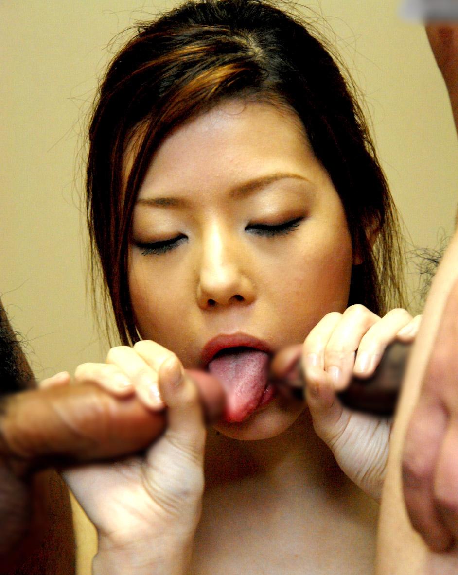 茜しおんの舌出しフェラ (2)