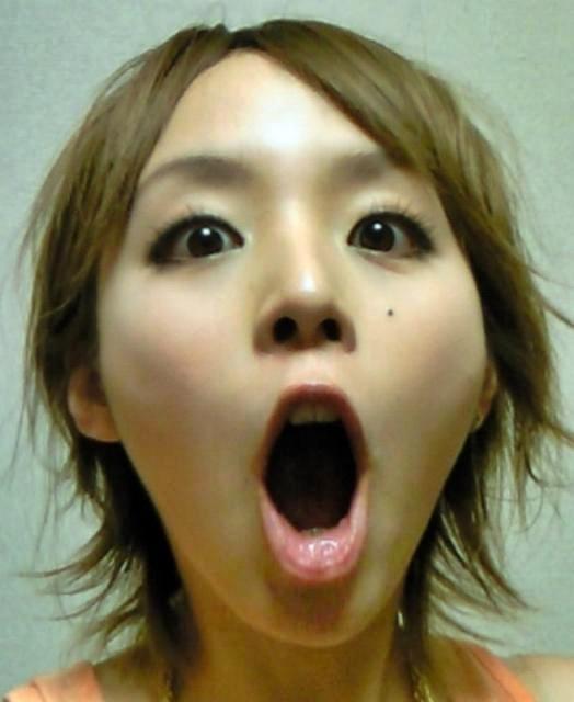 平野綾のフェラ顔舌見せ (2)