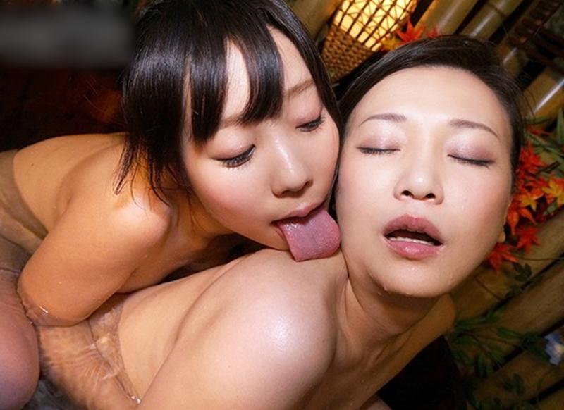 葉山美空・京野美麗の舐めレズプレイ (9)