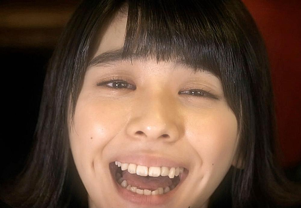 田中美麗の舌見せ (1)