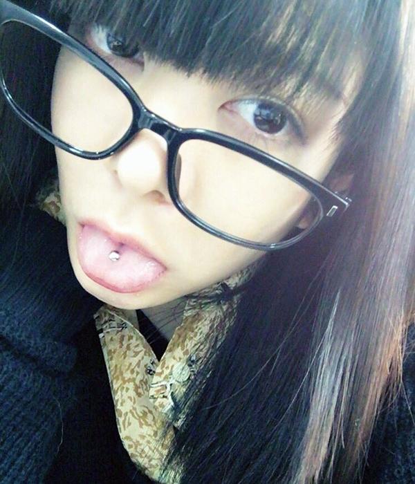 真縞しまりすの舌出し (10)
