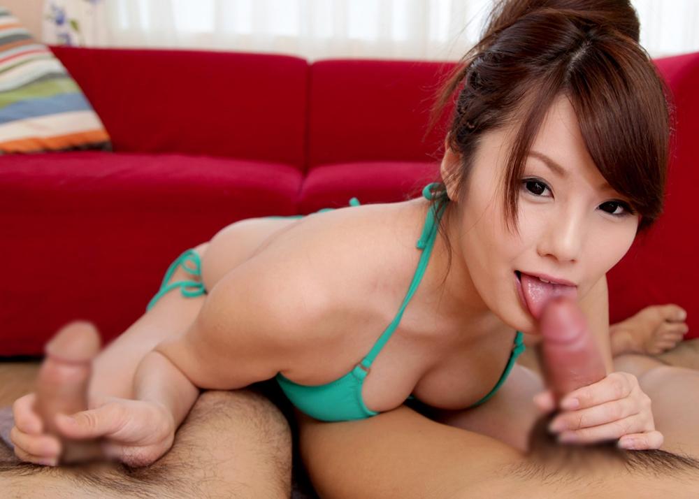 綾瀬ルナの舌出しフェラ (1)