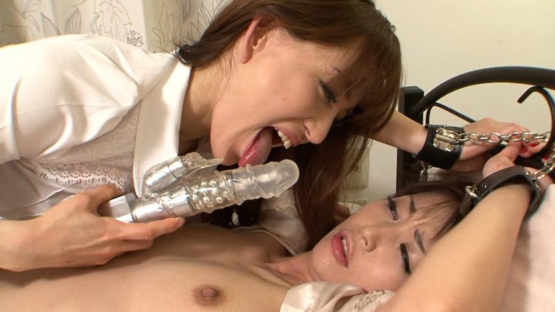あいかわ優衣・まりかの舐めレズ (1)