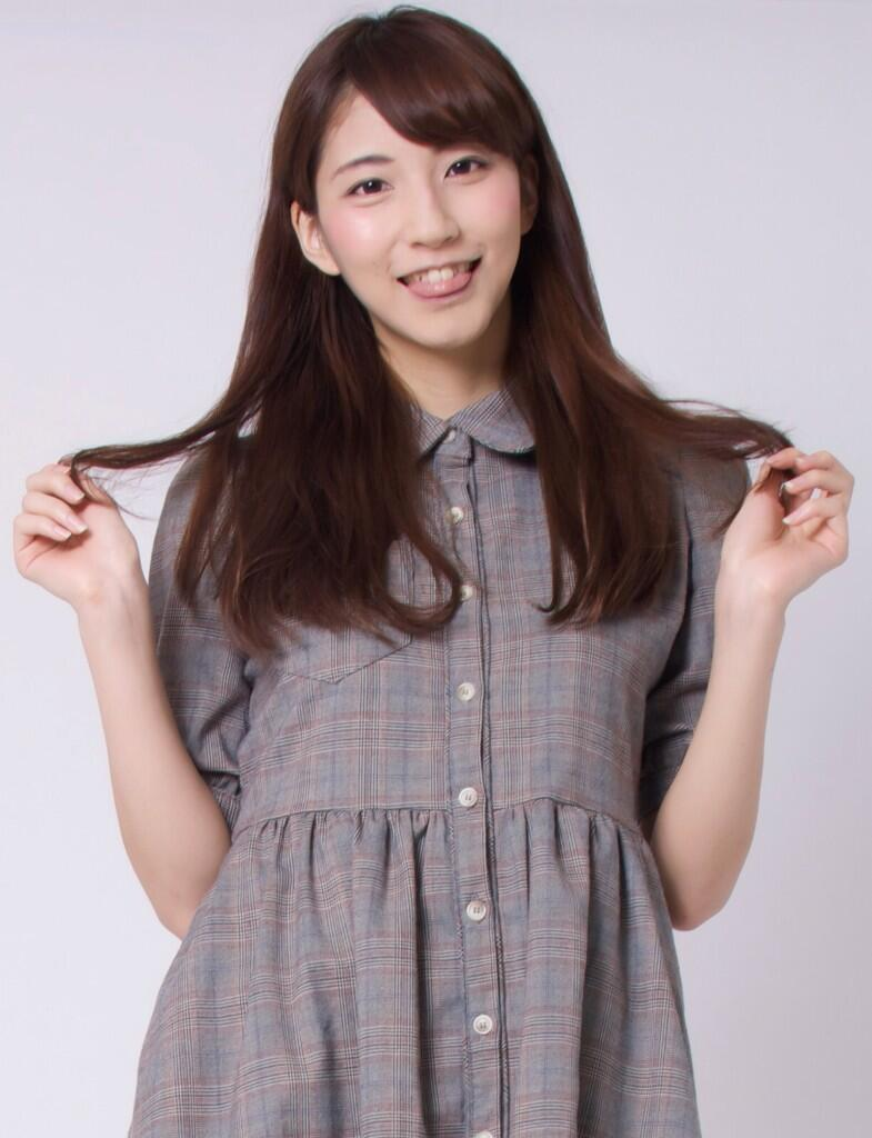 工藤麻美子の舌出し (1)