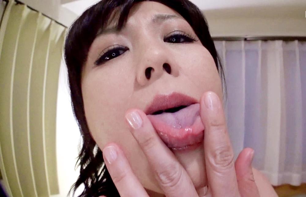 円城ひとみの舌堪能プレイ (1)