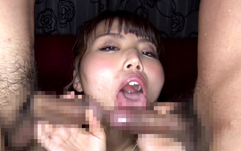 むっちり美女の淫乱舌 (2)
