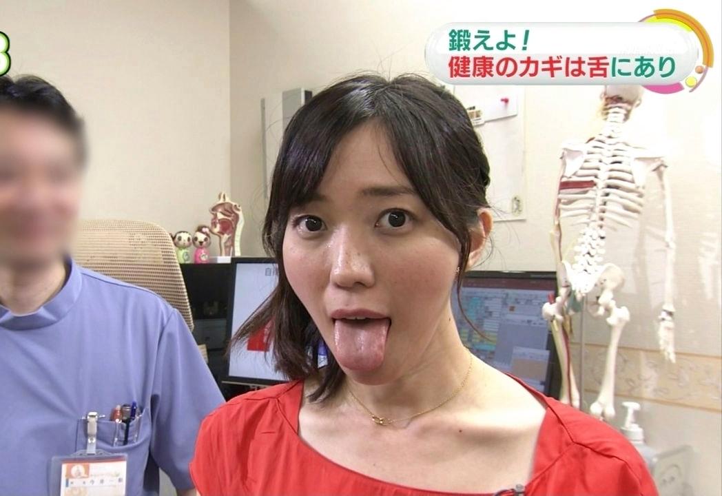 中村慶子の舌出し (3)