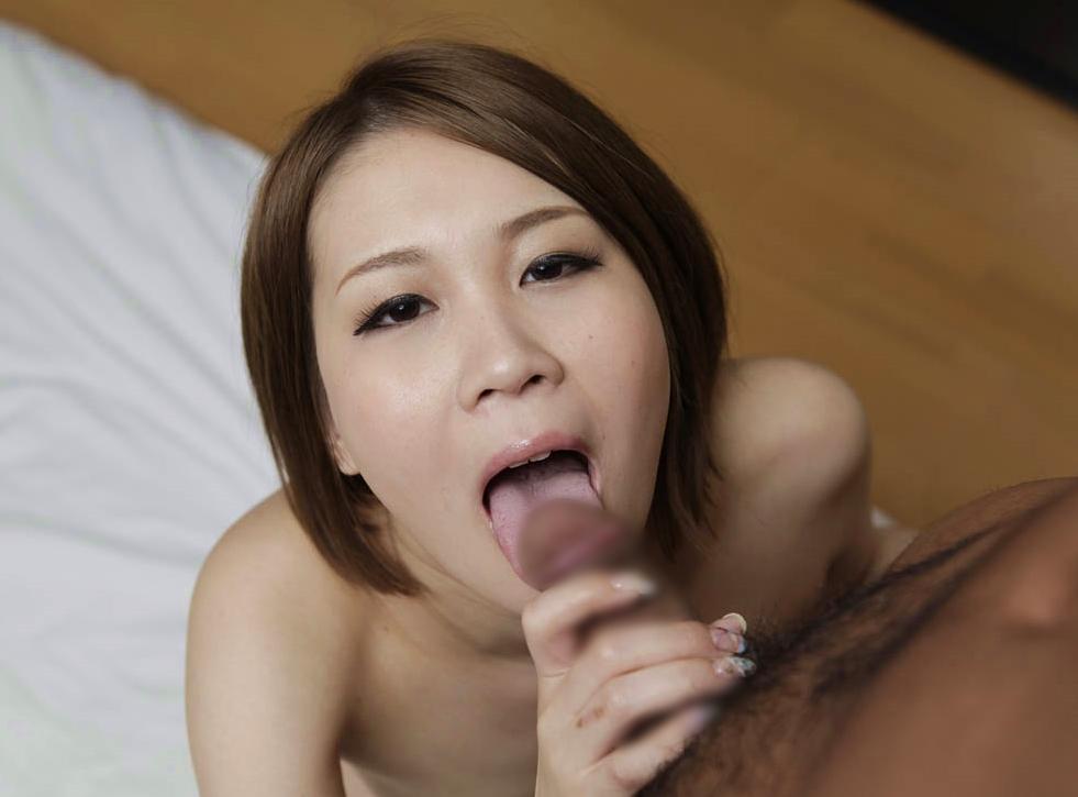 水沢まおのデカ舌舐め奉仕 (1)
