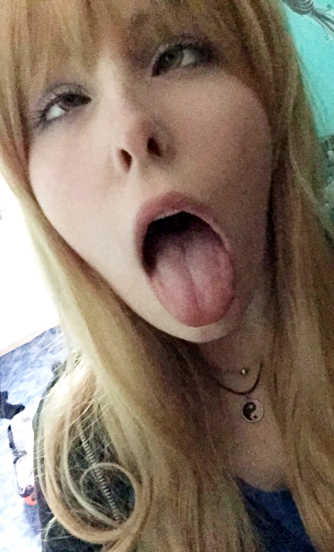 アヘ顔舌出し (23)