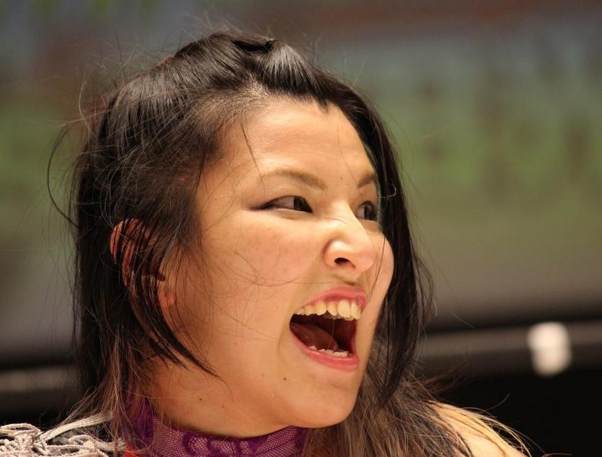 志田光の舌見せ (2)