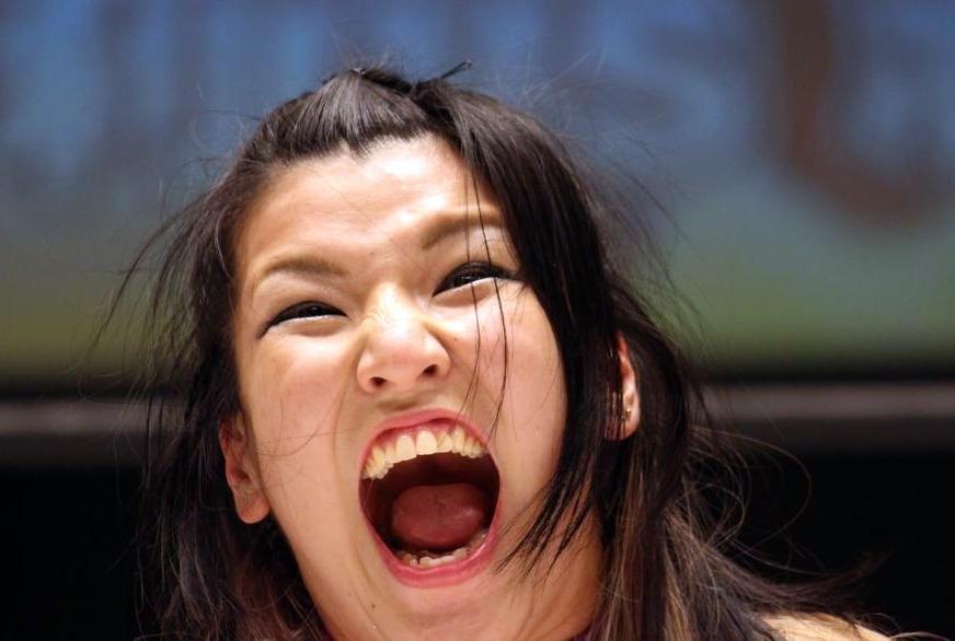 志田光の舌見せ (3)
