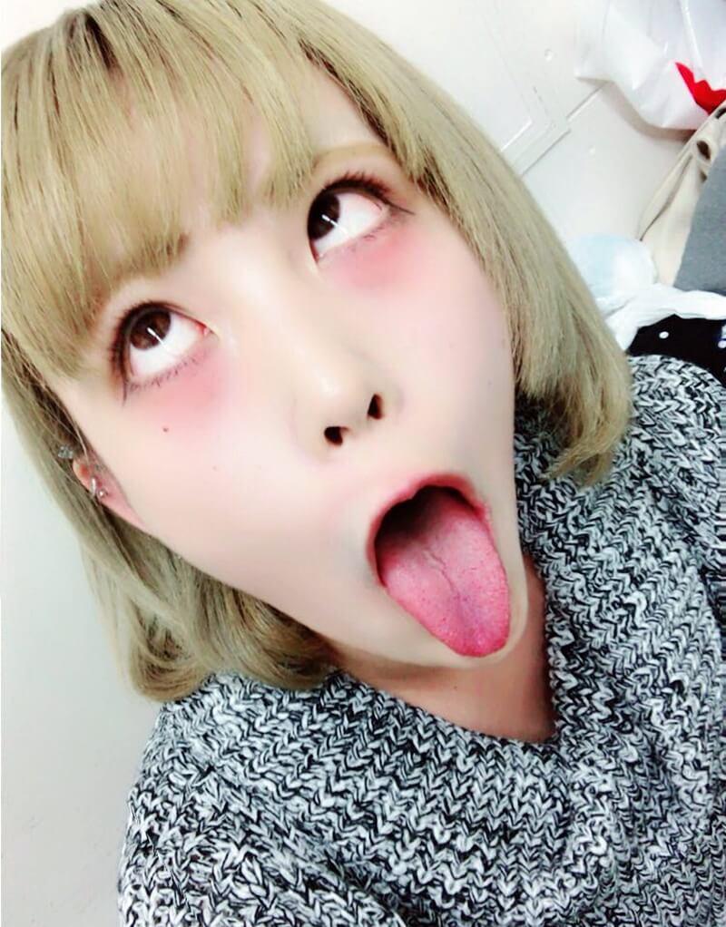 蒼龍めいのアヘ顔舌出し (2)