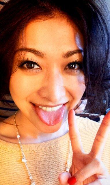 山田優の舌出し (3)