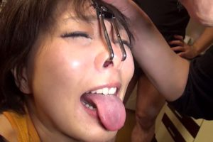 鮎原いつきの淫乱舌 (1)