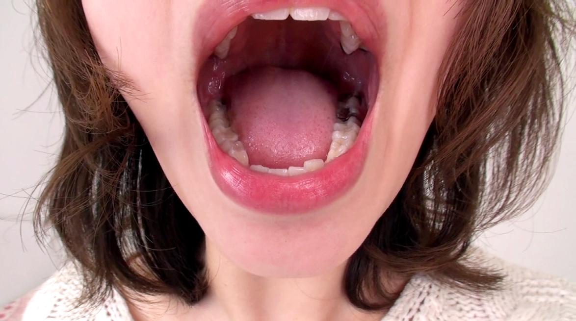 素人娘の自撮り舌 (2)