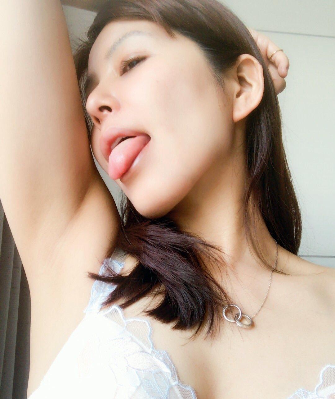 杉河沙奈(葵紫穂)の舌出し (13)
