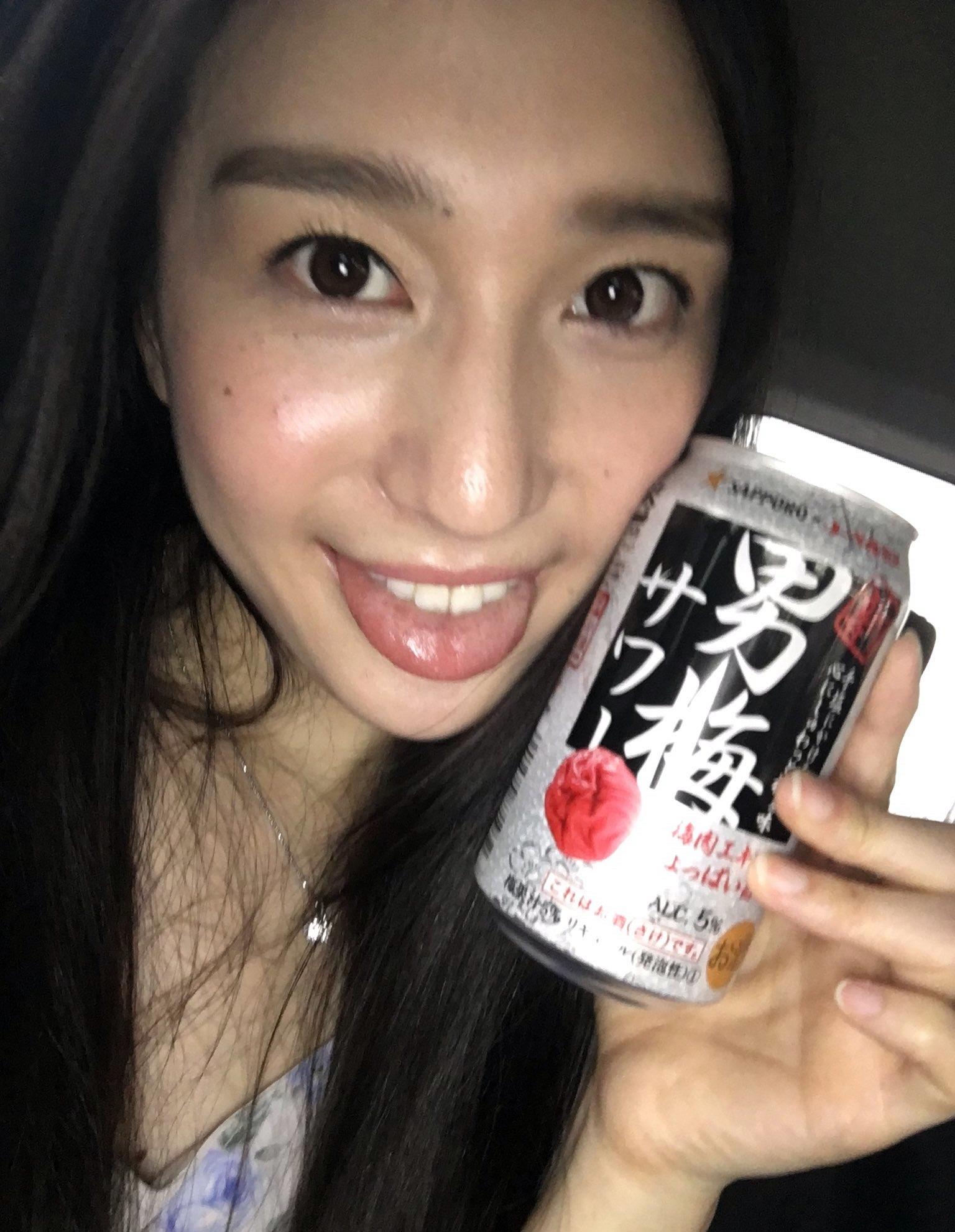 古川いおりの自撮り舌出し (4)