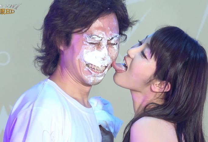 大島優香の顔舐め1 (4)