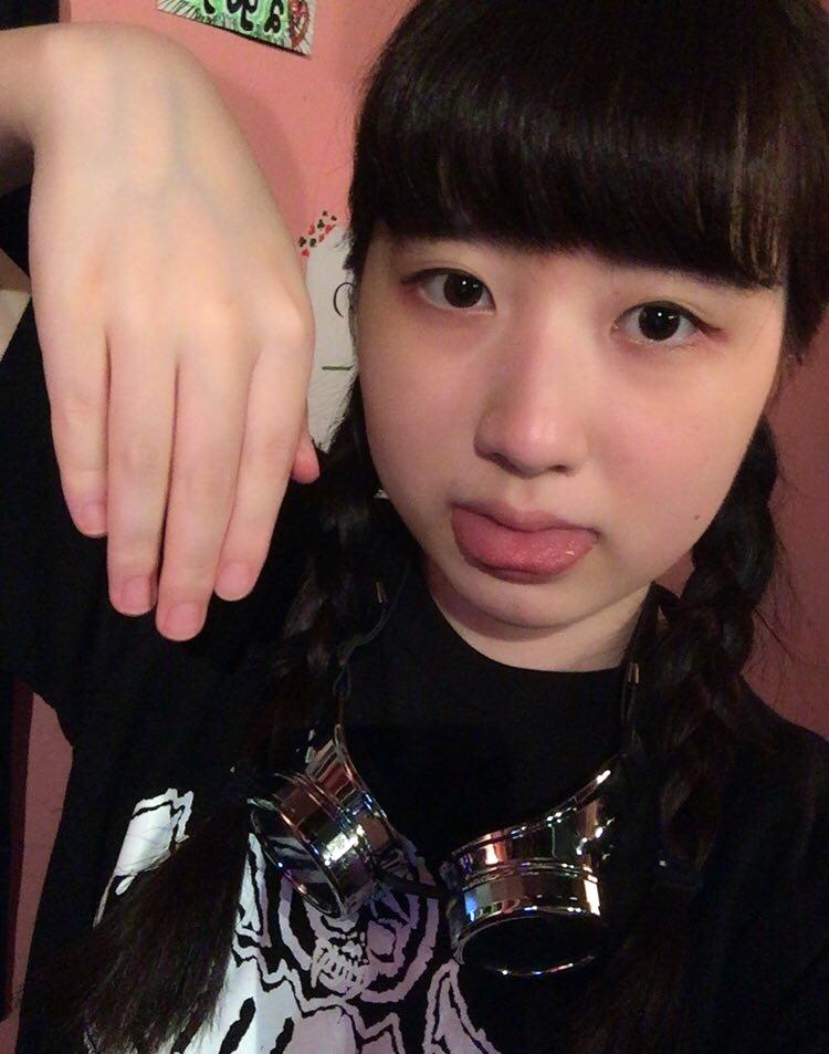 中村ソゼの舌出し (4)