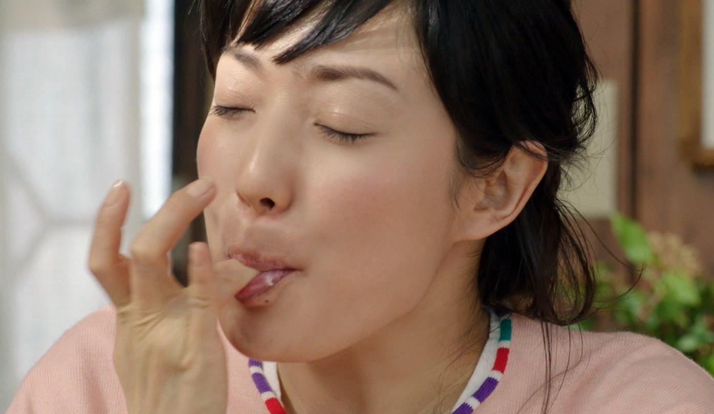 菅野美穂の舌見せパックンチョ (8)