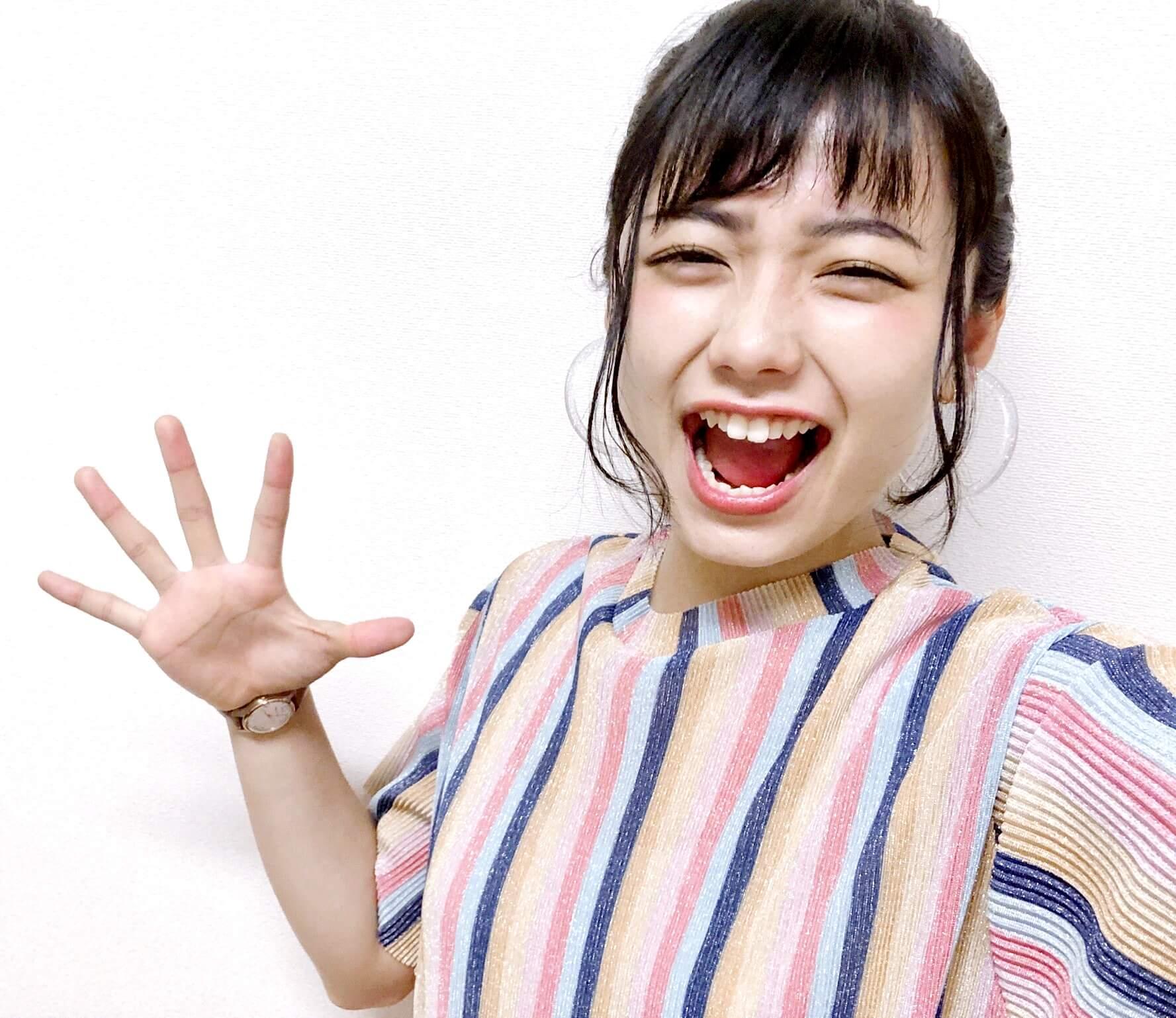 足立佳奈の開口舌見せ (3)