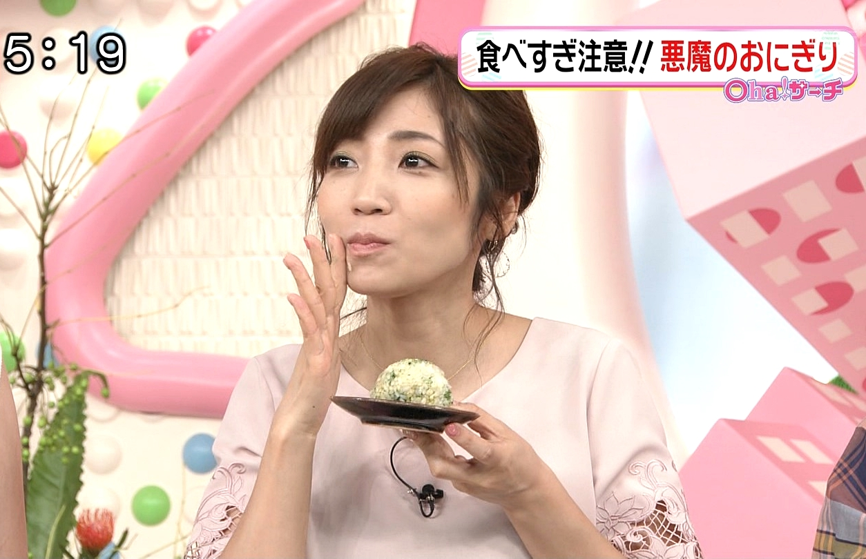 内田敦子の食事舌 (4)