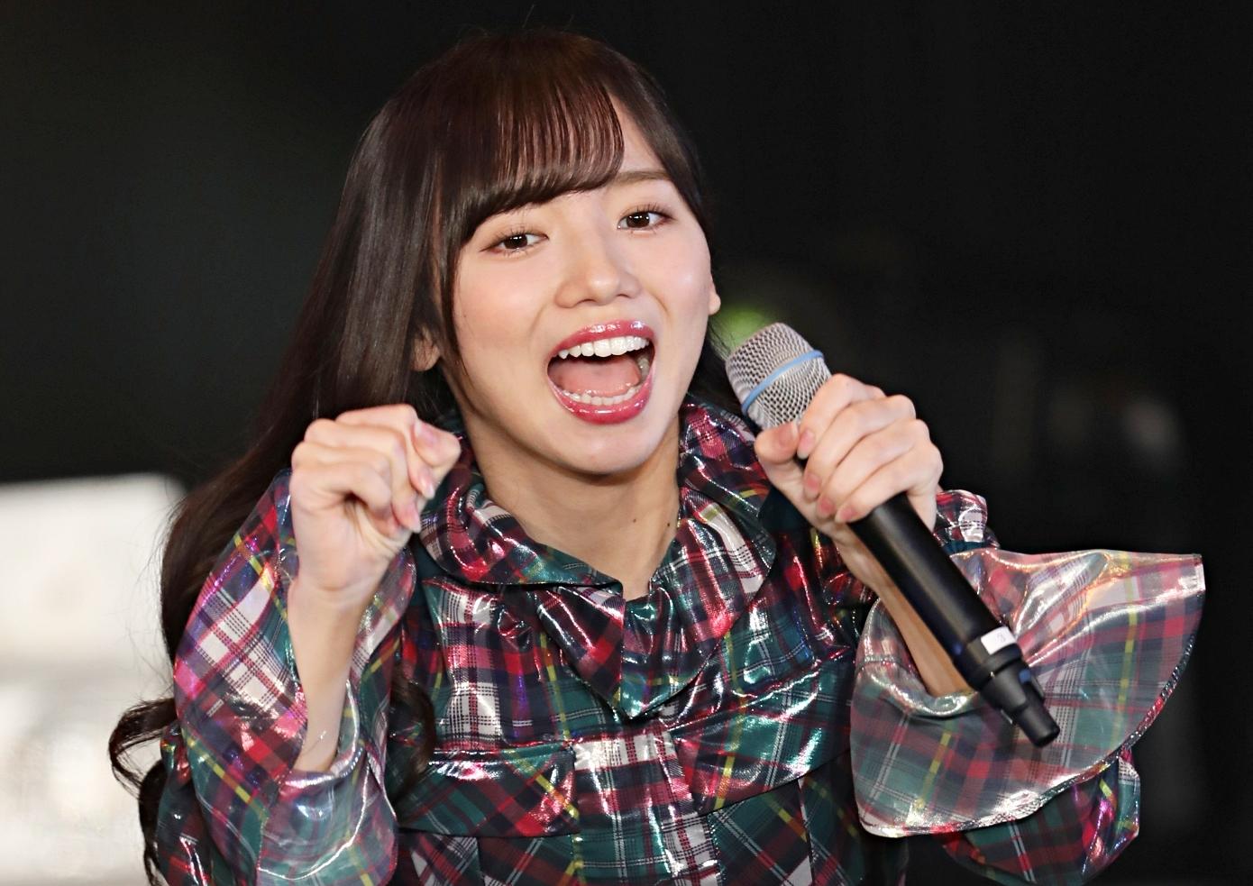 齊藤京子のトロ舌見せ (2)