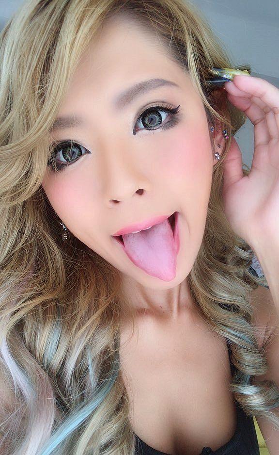 RISAの舌出し (3)