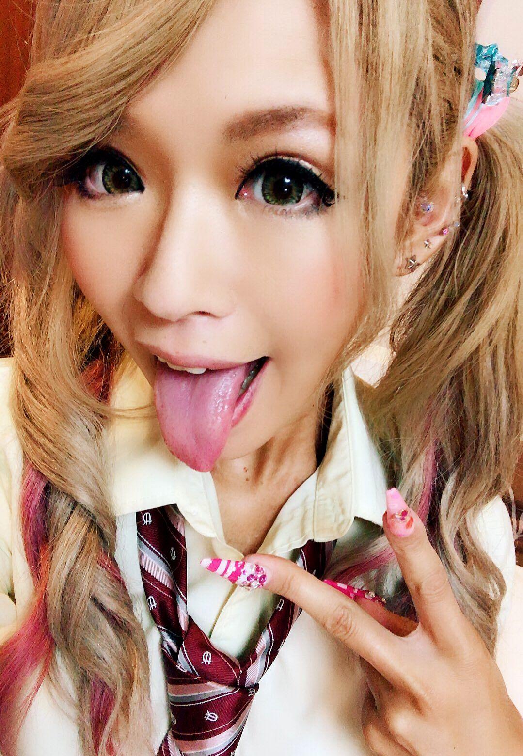 RISAの舌出し (8)