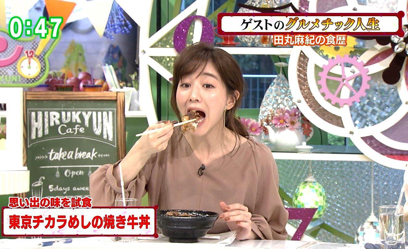 田中みな実の糸引き食事舌 (3)
