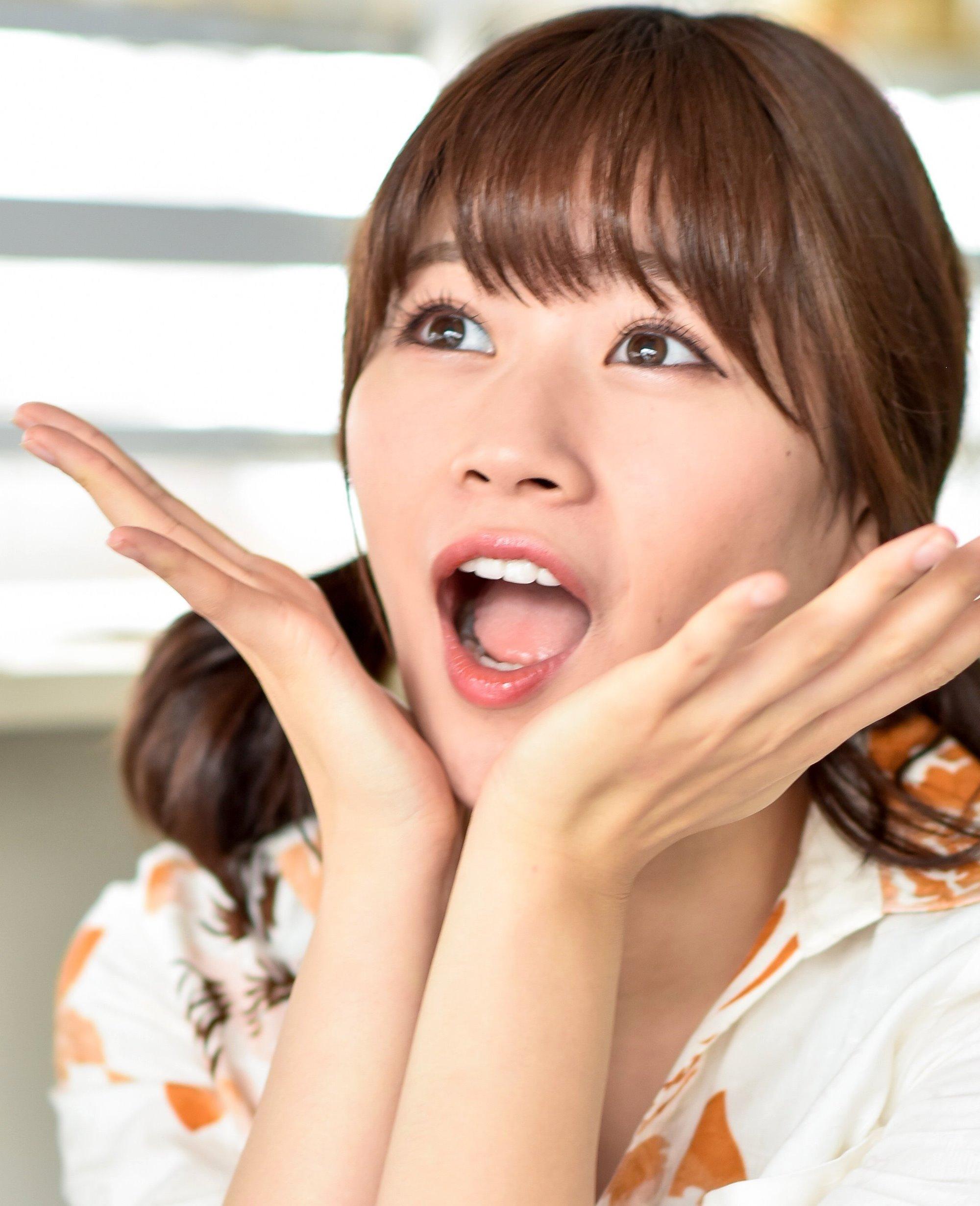 寺田葵の開口舌見せ (5)