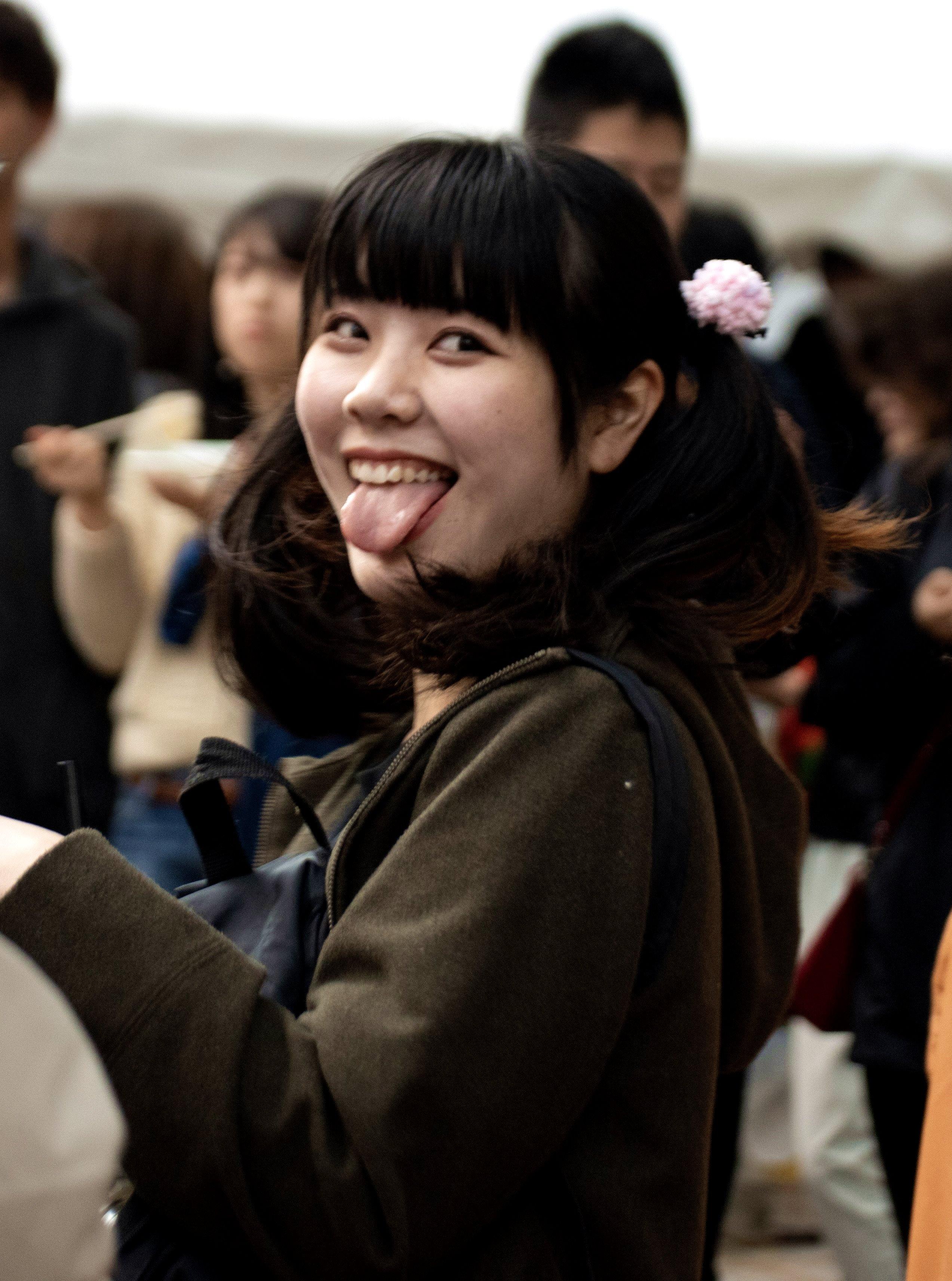 眉村ちあきの舌出し (6)