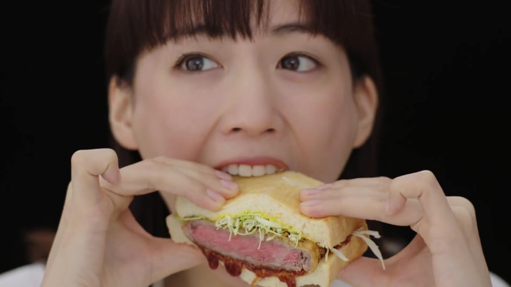 綾瀬はるかの食事舌 (1)