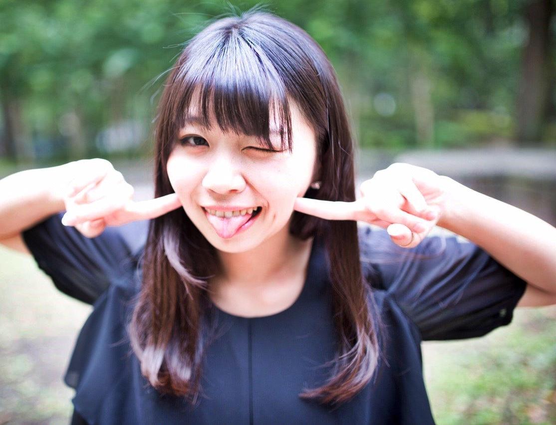 白波瀬ミキの舌出し (5)