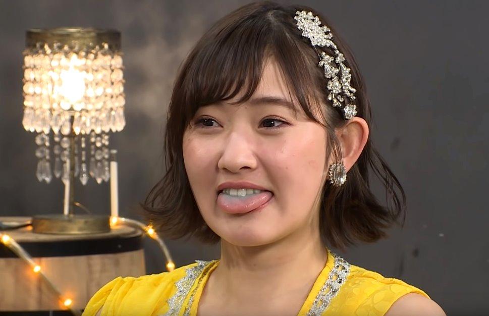 川村文乃の舌出し (4)
