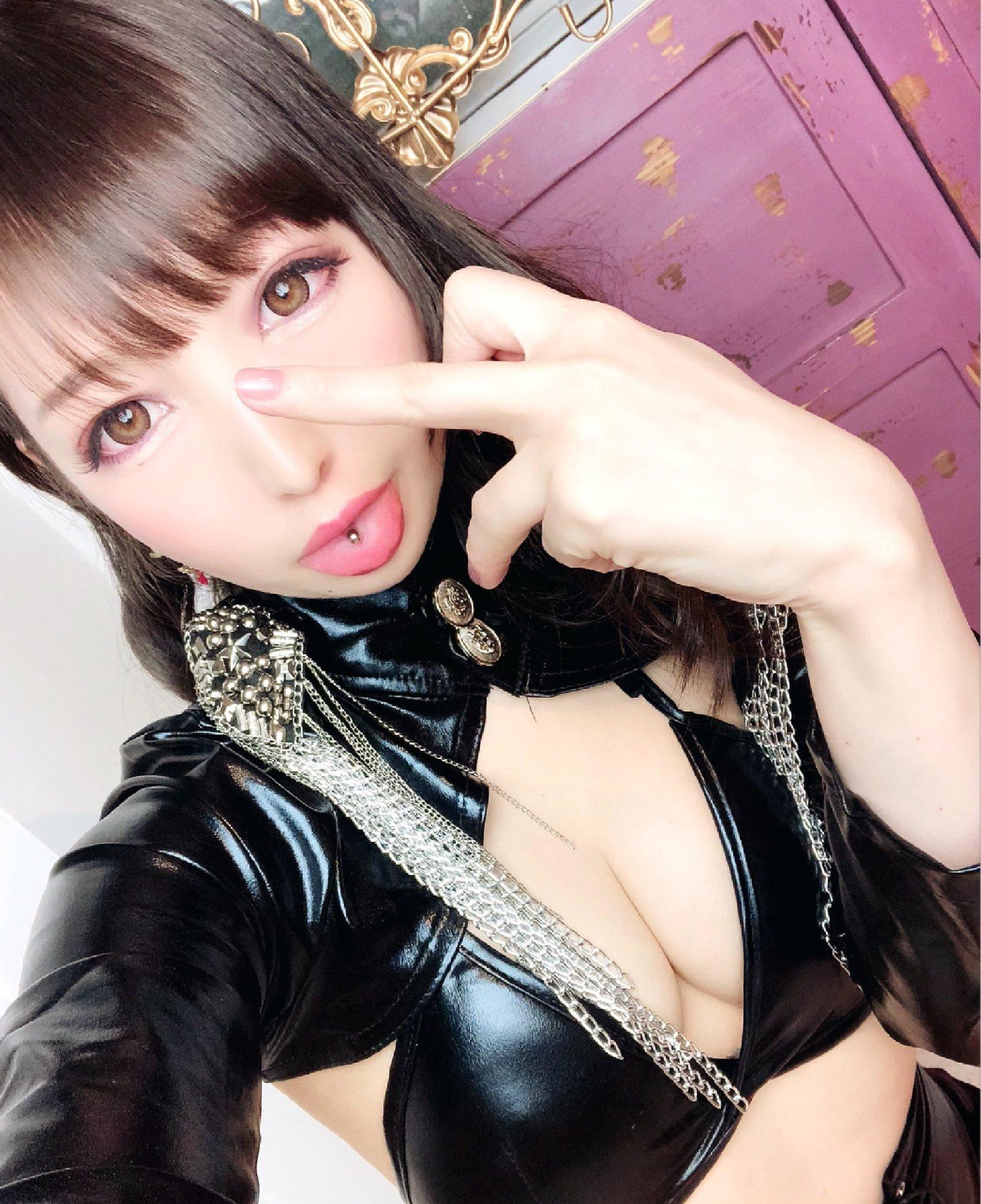 福田もかのぽってり舌 (2)