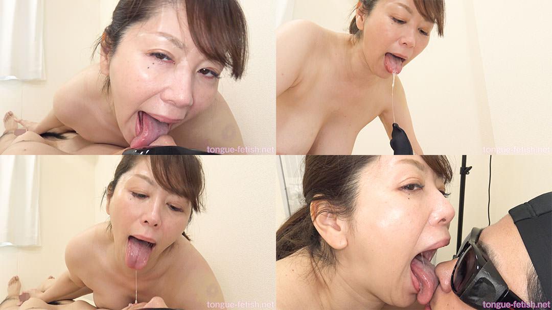 翔田千里のエロ長い舌でたっぷり顔舐め鼻舐め&手コキプレイ