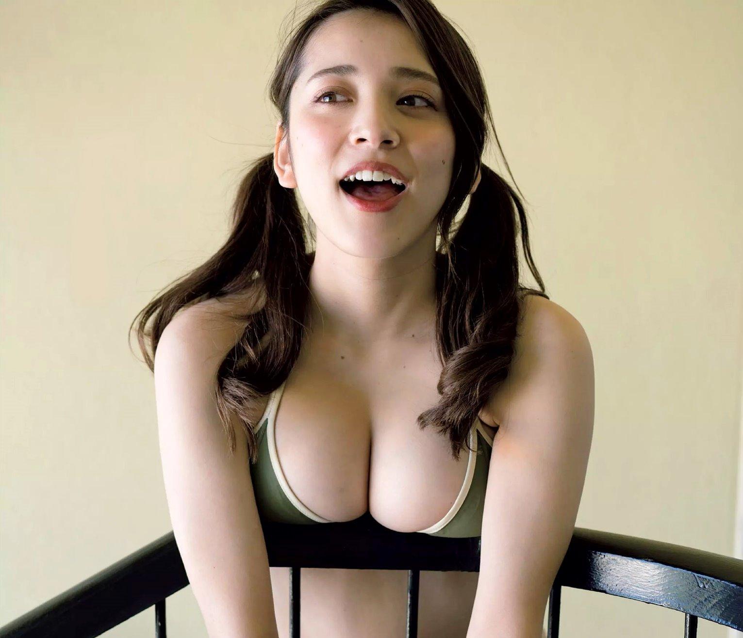 都丸紗也華の開口舌見せ (2)