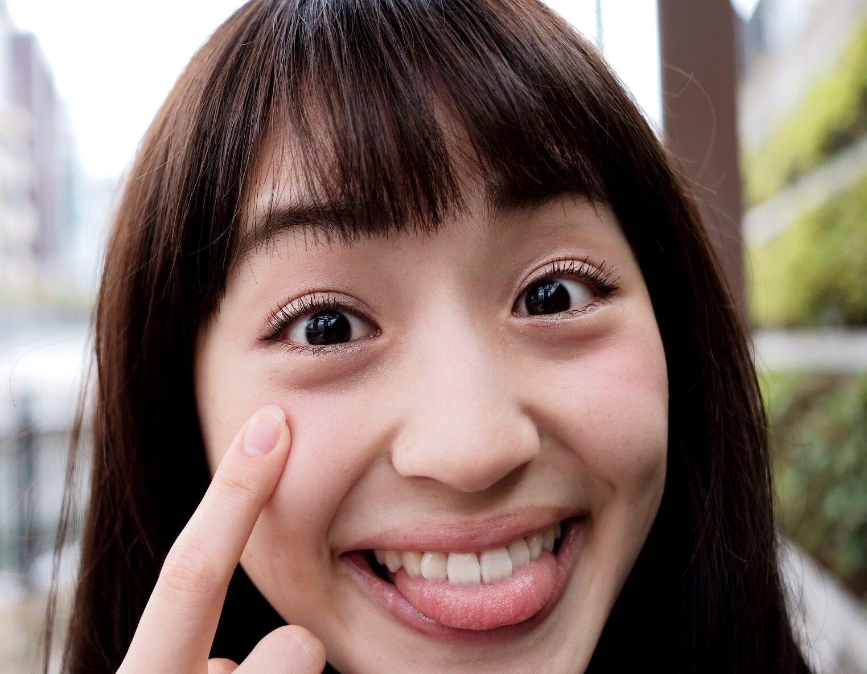 田崎礼奈の舌出し (24)