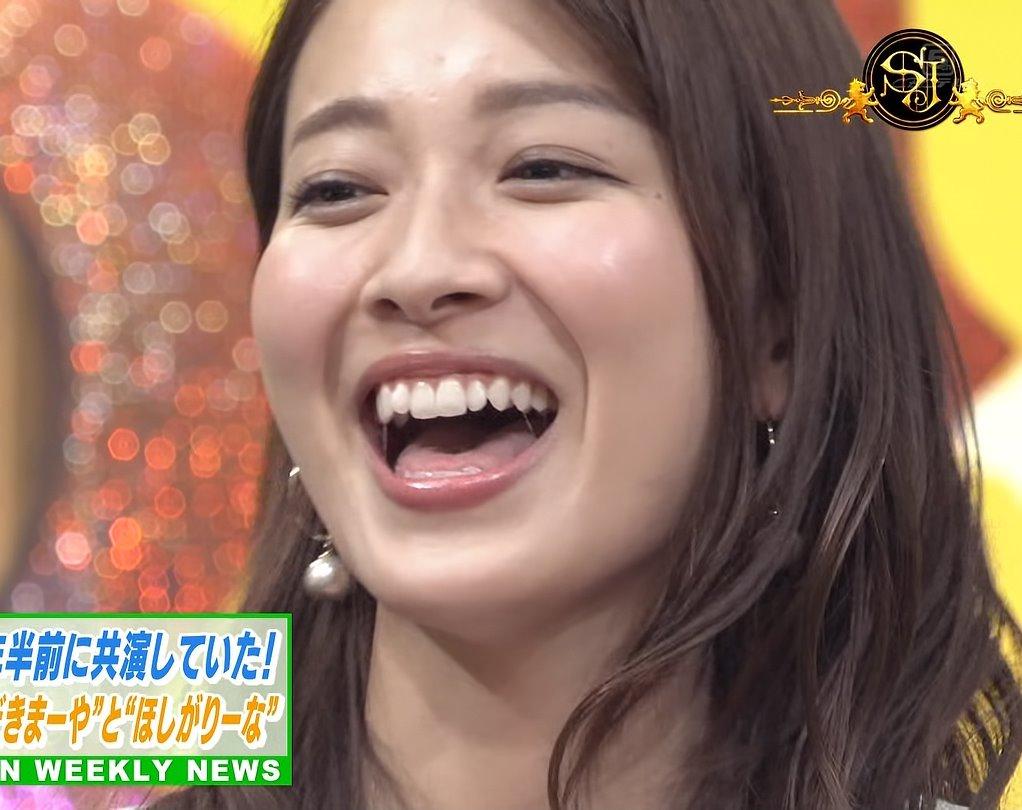 山本里菜の唾糸舌見せ (1)
