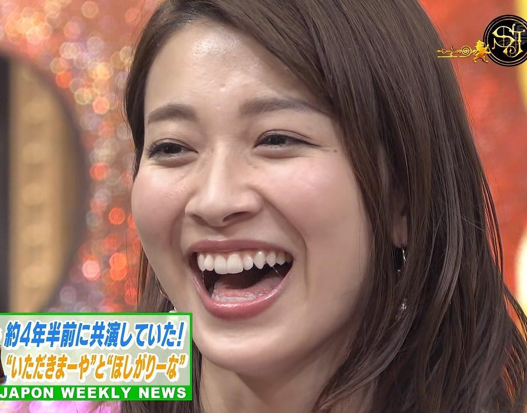 山本里菜の唾糸舌見せ (2)