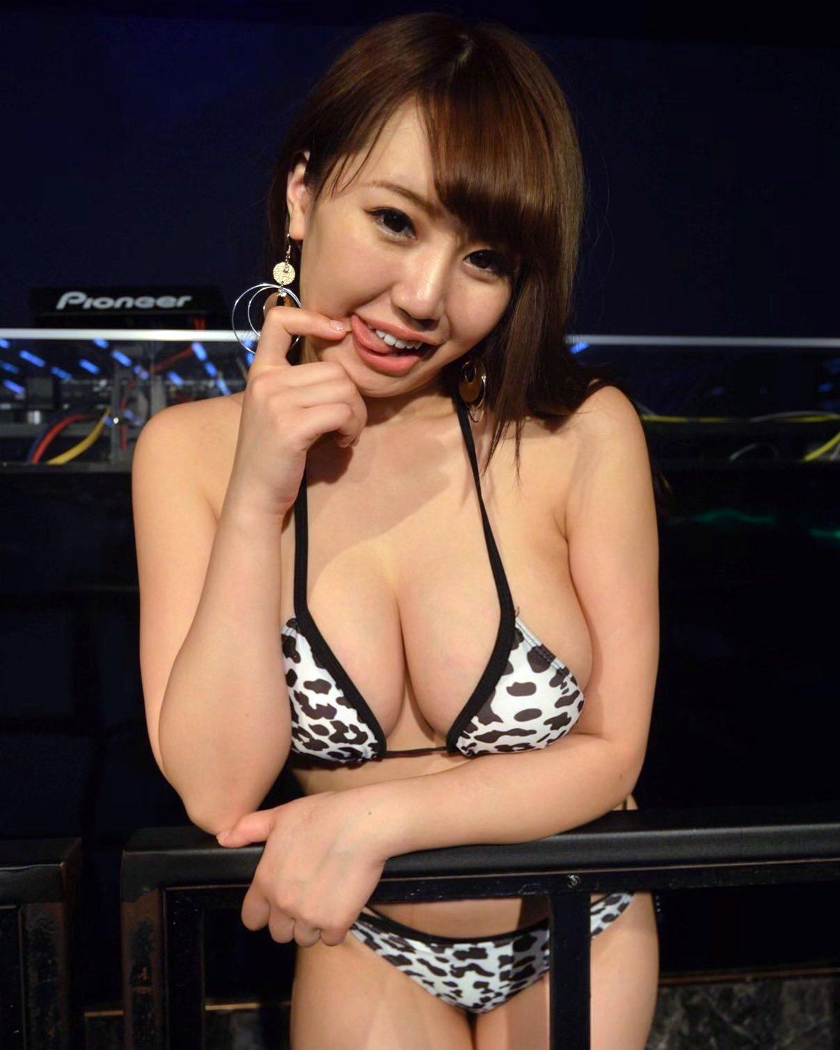 愛場れいらの舌出し (6)