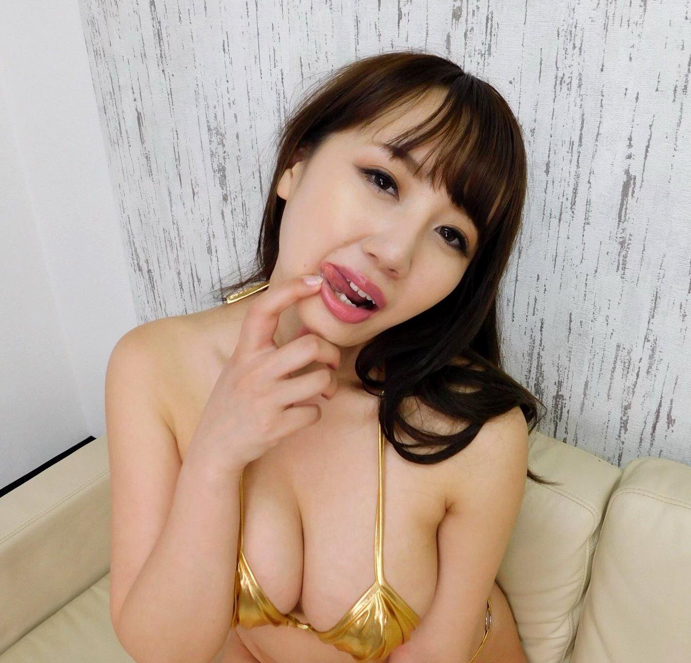 愛場れいらの舌出し (10)