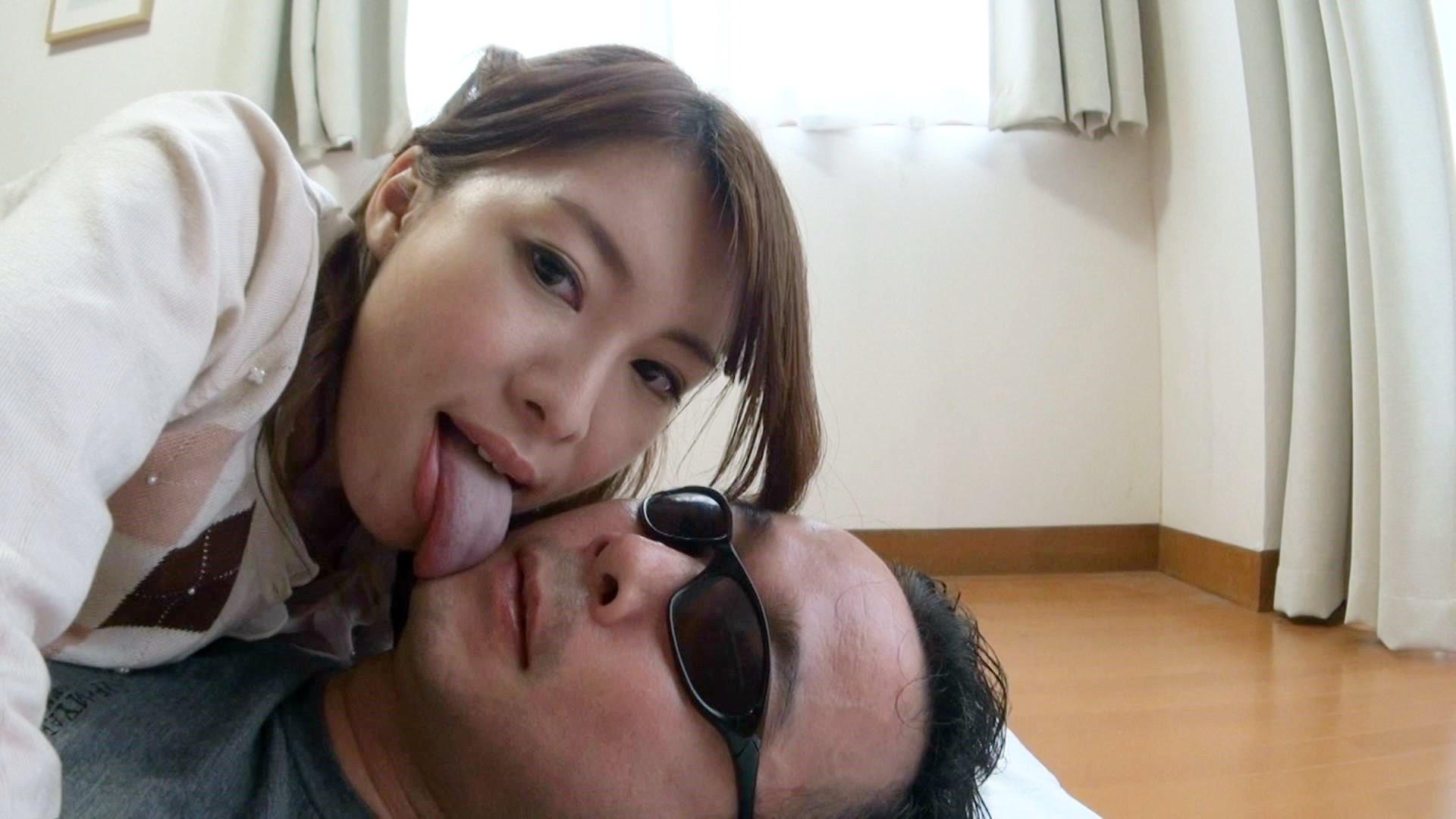 ナマコのようなデカくて長い舌を持つプータローにベトベトに舐められました