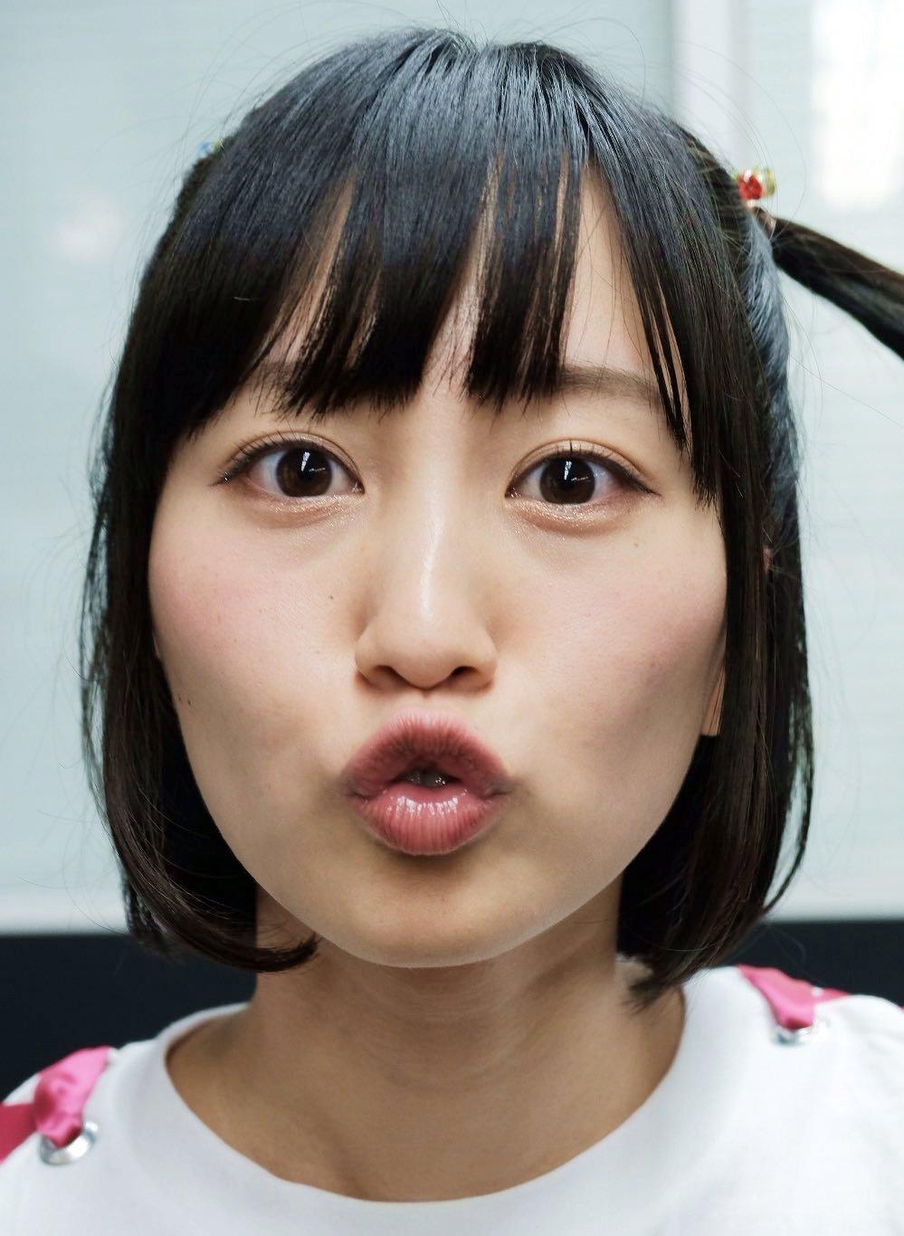 佐藤遥のキス顔