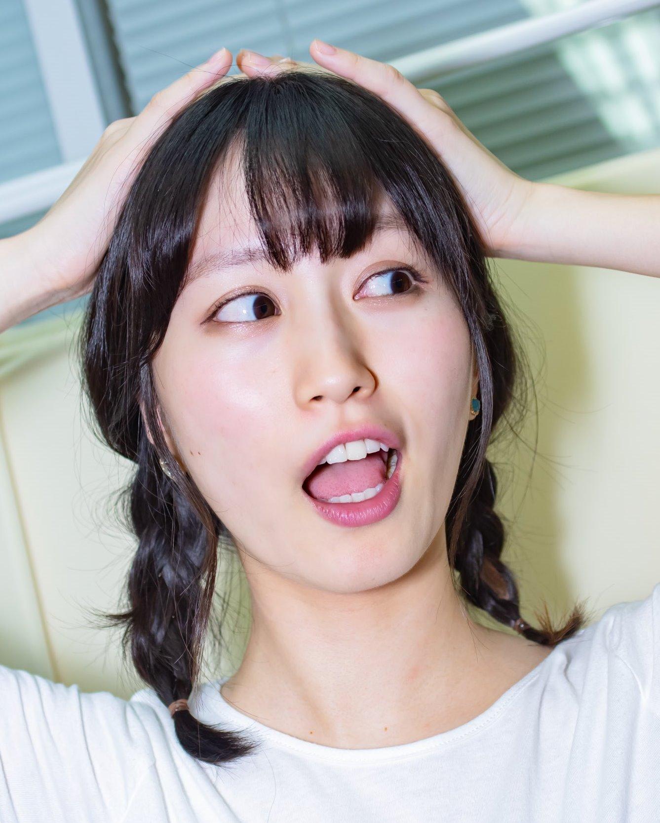 佐藤遥の開口舌見せ (5)
